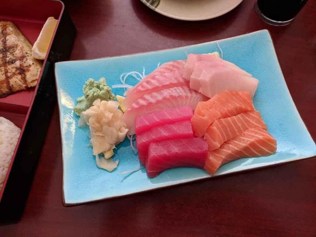 sashimi-plate