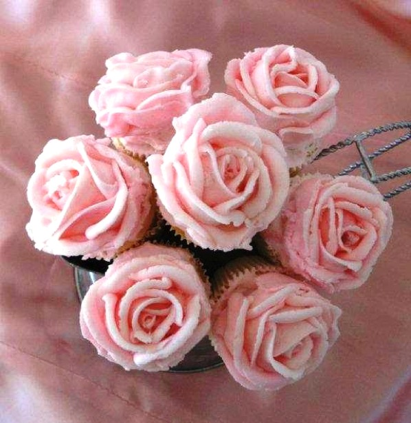 How to Frost Rose Cupcakes