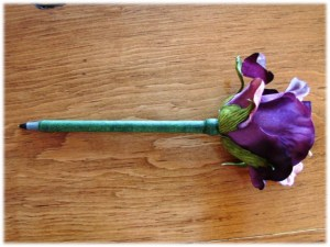 How to Make a Pretty Flower Pen