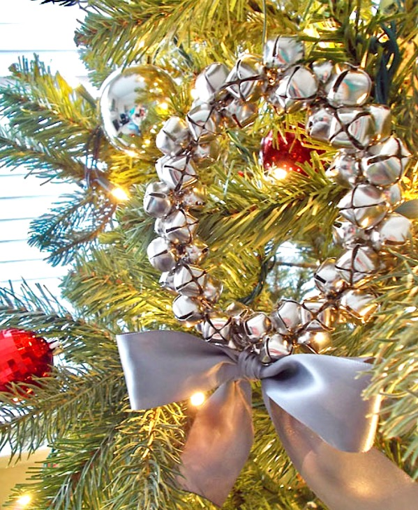 How to Make Jingle Bell Wreath Ornaments