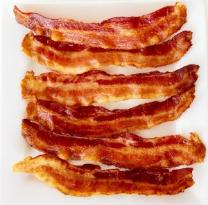 The Trick to Perfect Crispy Bacon! {without the mess!}