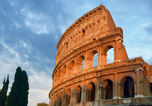 Top Rome Italy Travel Tips for the Coliseum from TheFrugalGirls.com