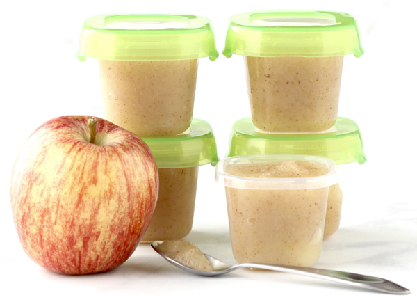 How to Make Homemade Applesauce for Baby