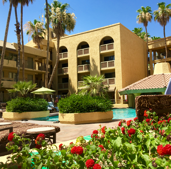 Best Family Friendly Resort in Phoenix Arizona | Tips from TheFrugalGirls.com