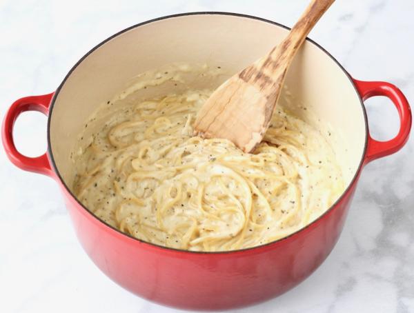 One Pot Garlic Parmesan Pasta Tasty