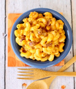 Easy Crockpot Chili Mac and Cheese Recipe