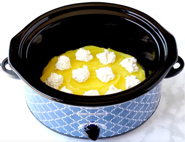 Crockpot Lemon Cream Cheese Dump Cake Recipe Easy