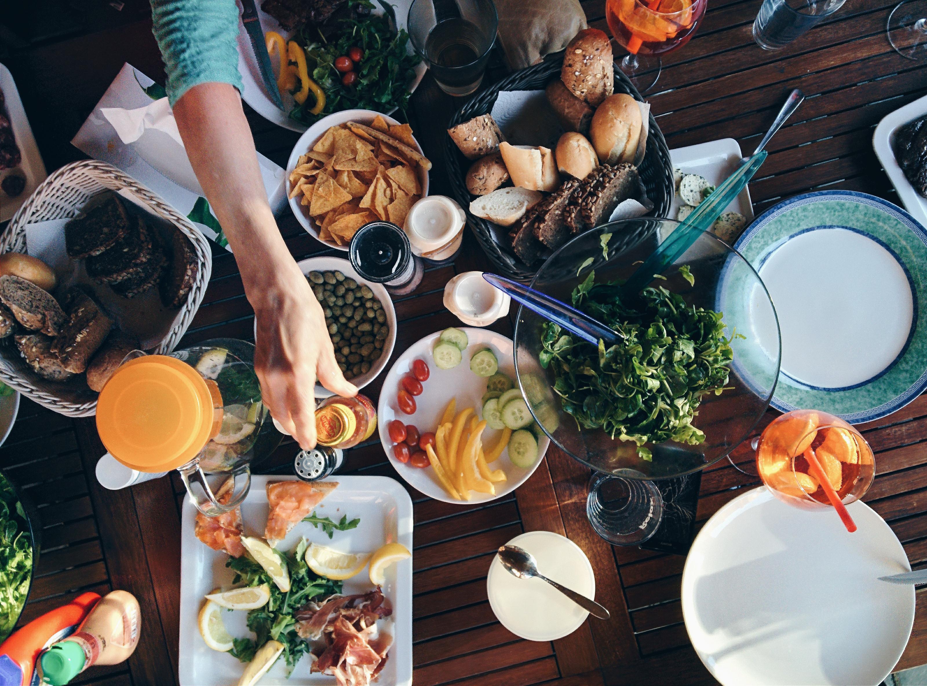 7 Facebook Watch Food Channels to Binge Watch