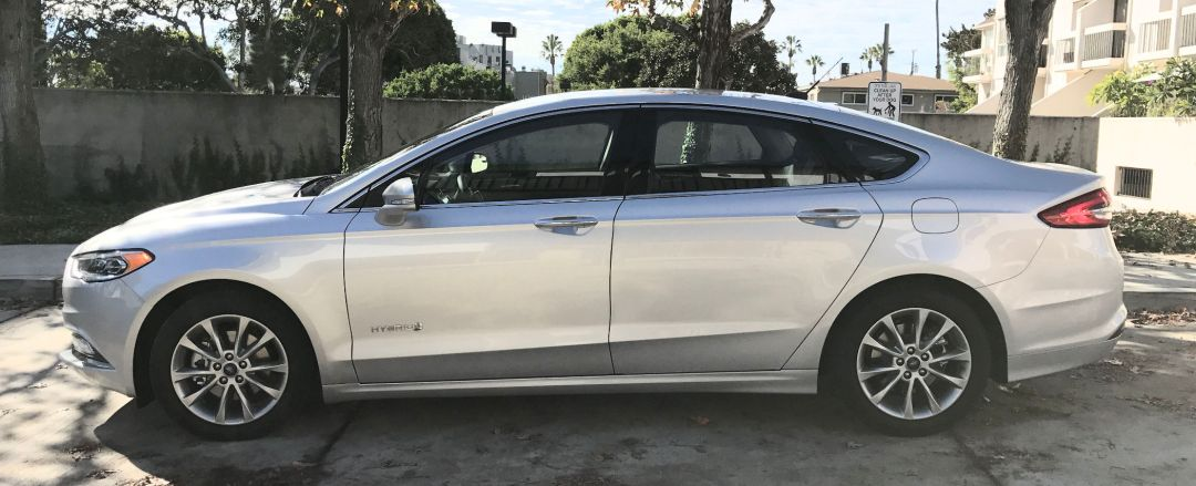 Ford Fusion Hybrid SE side view