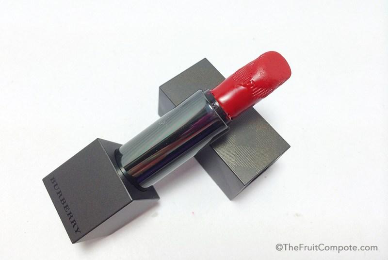 burberry-lip-velvet-military-red-broken-3