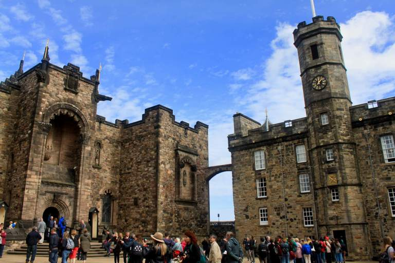 The Scottish National War Memorial and Royal Palace