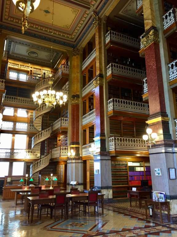 The gorgeous library of the Iowa Capitol Building