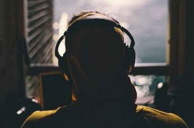 prevent hearing loss caused by headphone use