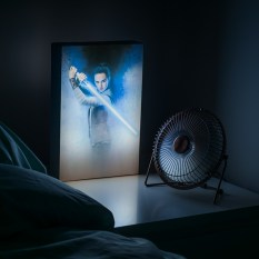 PP3807SW_The_Last_Jedi_Luminart_Lifestyle_1_Low_Res-800x800