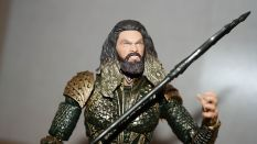 Mafex-Aquaman-Justice-League-Review-11