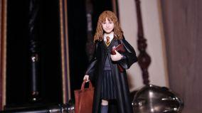 SH-Figuarts-Harry-Potter-Hermione-Granger-Review-4