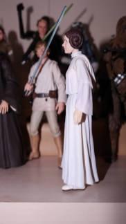 SH-Figuarts-Star-Wars-Princess-Leia-Organa-A-New-Hope-Review-9