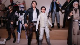 FOTF Star Wars Black Series Princess Leia (Hoth) Review 13