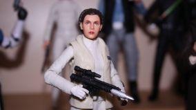 FOTF Star Wars Black Series Princess Leia (Hoth) Review 14