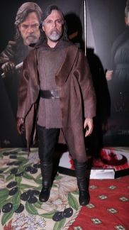 Hot Toys Luke Skywalker Review 6