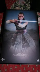 Star Wars Hot Toys Rey (Jedi Training) Review 21