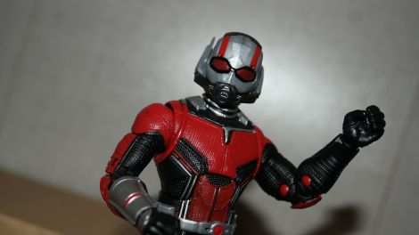 Marvel-Legends-Ant-Man-Review-5
