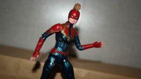 Marvel-Legends-Captain-Marvel-Review-2
