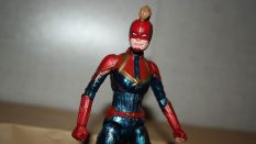 Marvel-Legends-Captain-Marvel-Review-4