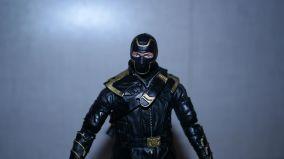 Marvel-Legends-Ronin-Avengers-Endgame-Review-7