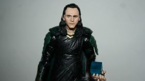 Marvel_Legends_Corvus_Glaive_and_Loki_Review_14