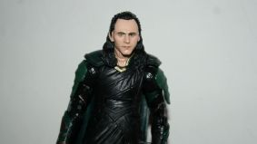 Marvel_Legends_Corvus_Glaive_and_Loki_Review_19