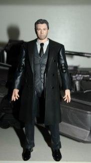 FOTF Justice League Bruce Wayne Medicom Toy Mafex Review 9