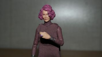 Star Wars The Black Series Vice Admiral Holdo Review 7