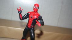 Marvel Legends Review Spider-Man (Far From Home) 6