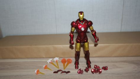 Tamashii Nations S.H. Figuarts Iron Man Mark III Review 3