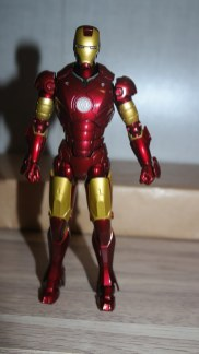 Tamashii Nations S.H. Figuarts Iron Man Mark III Review 4
