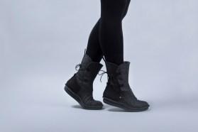 po-zu_star-wars_womens_rey-black-wool_lifestyle-1