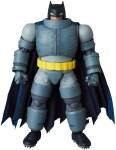 MAFEX-Armored-Batman-001