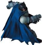 MAFEX-Armored-Batman-004