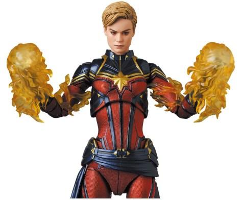 Mafex Captain Marvel Avengers Endgame