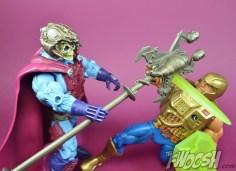 Masters-of-the-Universe-Classics-MOTUC-NA-Intergalactic-Skeletor-Review-heman-4