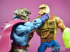 Masters-of-the-Universe-Classics-MOTUC-NA-Intergalactic-Skeletor-Review-heman-5
