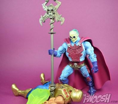 Masters-of-the-Universe-Classics-MOTUC-NA-Intergalactic-Skeletor-Review-heman-6