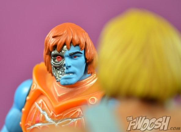 Masters-of-the-Universe-Classics-MOTUC-NA-Intergalactic-Skeletor-Review-stare