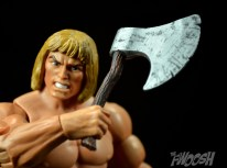 Masters-of-the-Universe-Classics-MOTUC-Oo-Larr-Review-axe-slash
