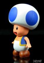 Jakks-World-of-Nintendo-Blue-Toad-Review-turn-2