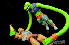 Masters-of-the-Universe-Classics-MOTUC-Sssqueeze-Review-Grip