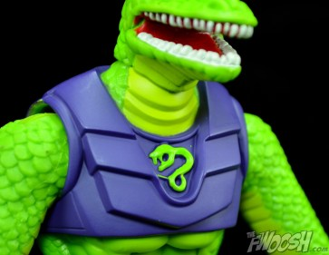 Masters-of-the-Universe-Classics-MOTUC-Sssqueeze-Review-chest