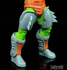 Masters-of-the-Universe-Classics-MOTUC-Sssqueeze-Review-legs