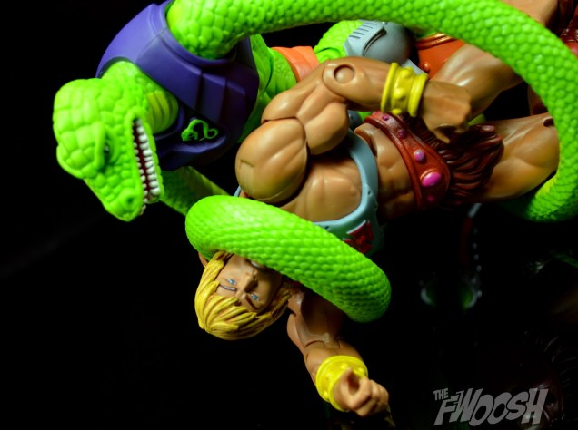 Masters-of-the-Universe-Classics-MOTUC-Sssqueeze-Review-submit